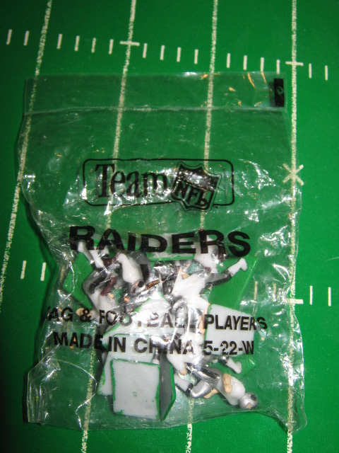 640 Oakland RaidersELECTRIC FOOTBALL TEAM White Jersey China Painted Helmet SEALED