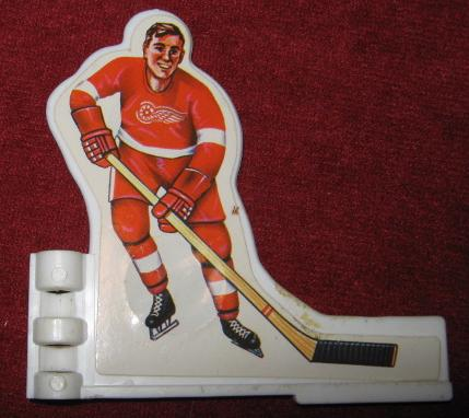 COLECO TABLE HOCKEY GAME DETROIT RED WINGS TEAM 1970's Plastic player