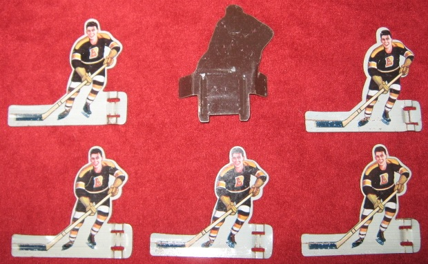 Eagle Table Hockey Game BOSTON BRUINS Team Tin 1950s with bag