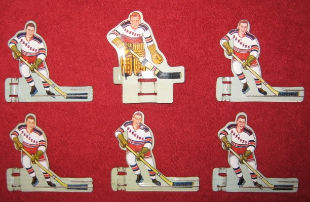 EAGLE TABLE HOCKEY GAME NEW YORK RANGERS Pro / Pee Wee TEAM 1950's Tin