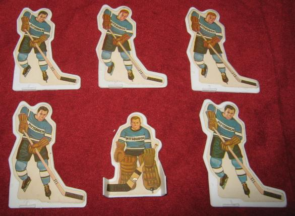 Munro Table Hockey Game PITTSBURGH PENGUINS Team Plastic 1970s