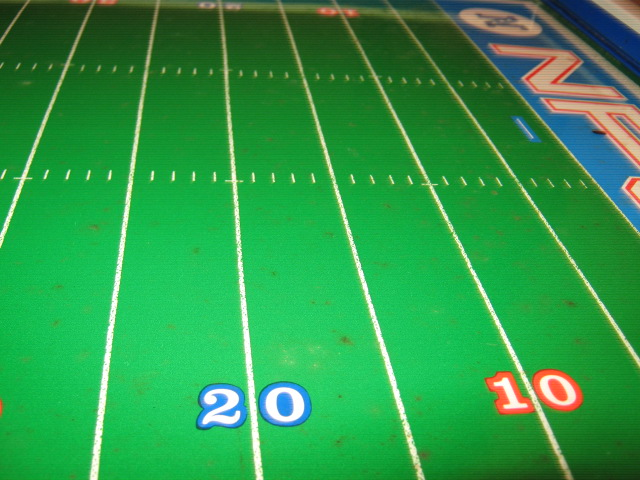 tudor electric football game super bowl 5 field close-up 3