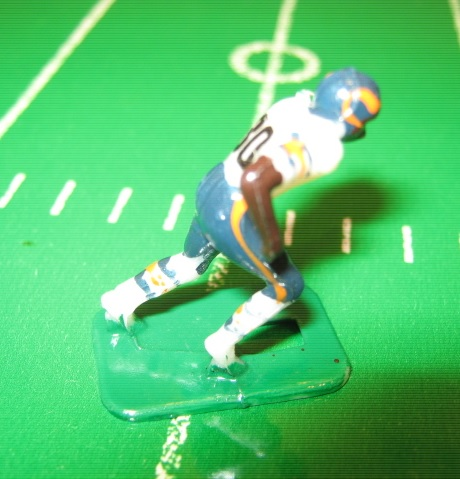 TUDOR ELECTRIC FOOTBALL GAME Chicago Bears Team White HK81