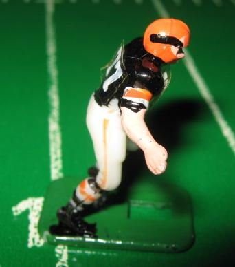 TUDOR ELECTRIC FOOTBALL GAME Cincinnati Bengals Dark HK71CL