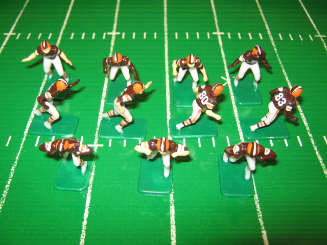 Tudor Electric Football Team CLEVELAND BROWNS Dark Jersey HK85