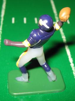 TUDOR ELECTRIC FOOTBALL GAME Minnesota Vikings QB Dark CH02