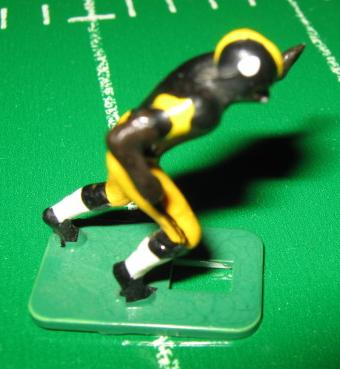 TUDOR ELECTRIC FOOTBALL GAME Pittsburgh Steelers Team Dark HA73