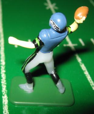 TUDOR ELECTRIC FOOTBALL GAME Seattle Seahawks QB Dark CH02