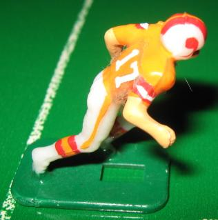 TUDOR ELECTRIC FOOTBALL GAME Tampa Bay Bucs Team Dark HK81