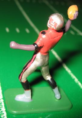 TUDOR ELECTRIC FOOTBALL GAME Tampa Bay Bucs QB Dark CH02