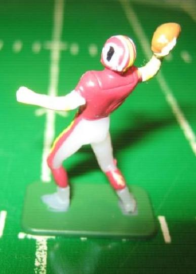 TUDOR ELECTRIC FOOTBALL GAME Washington Redskins QB Dark CH02